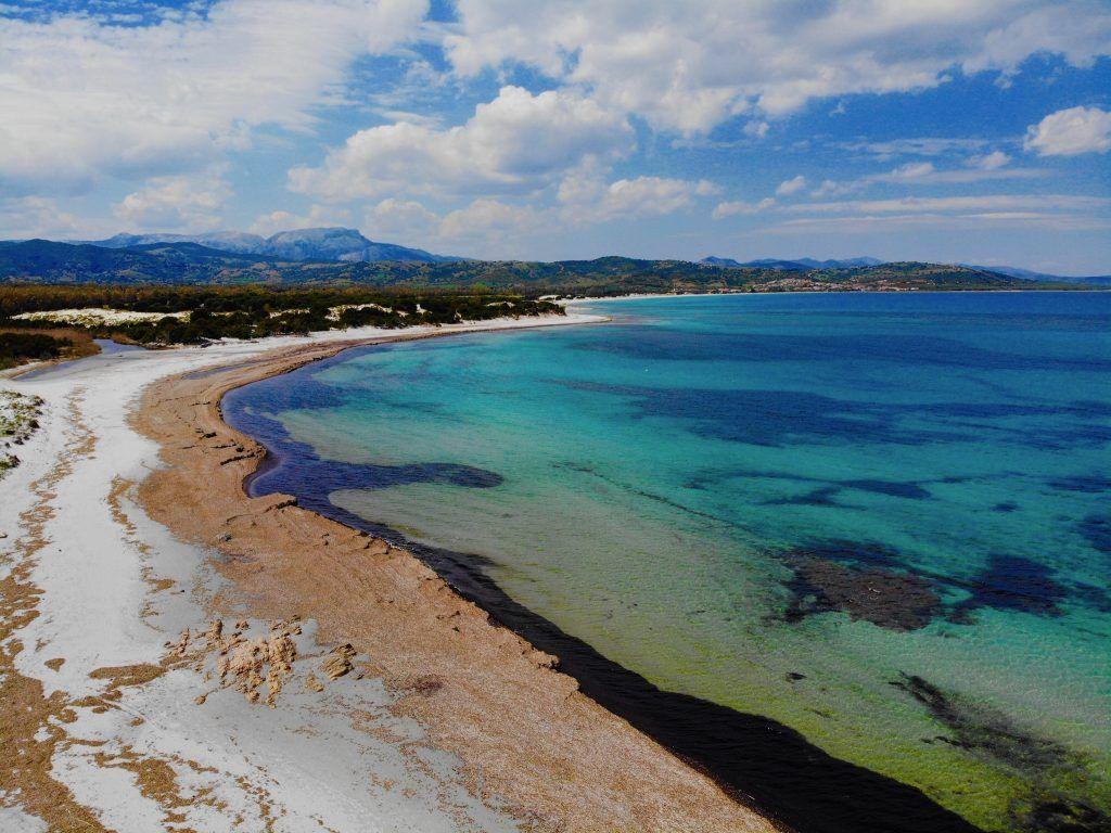 Vielerorts bietet Sardinien Natur pur – einfach ideal, um mal so richtig zu entspannen. Foto: Sascha Tegtmeyer