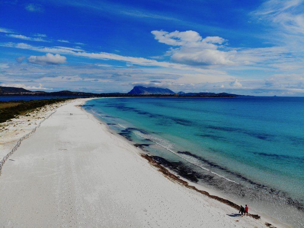 Der Strand La Cinta beeindruckt mit seinen Ausmaßen. Foto: Sascha Tegtmeyer