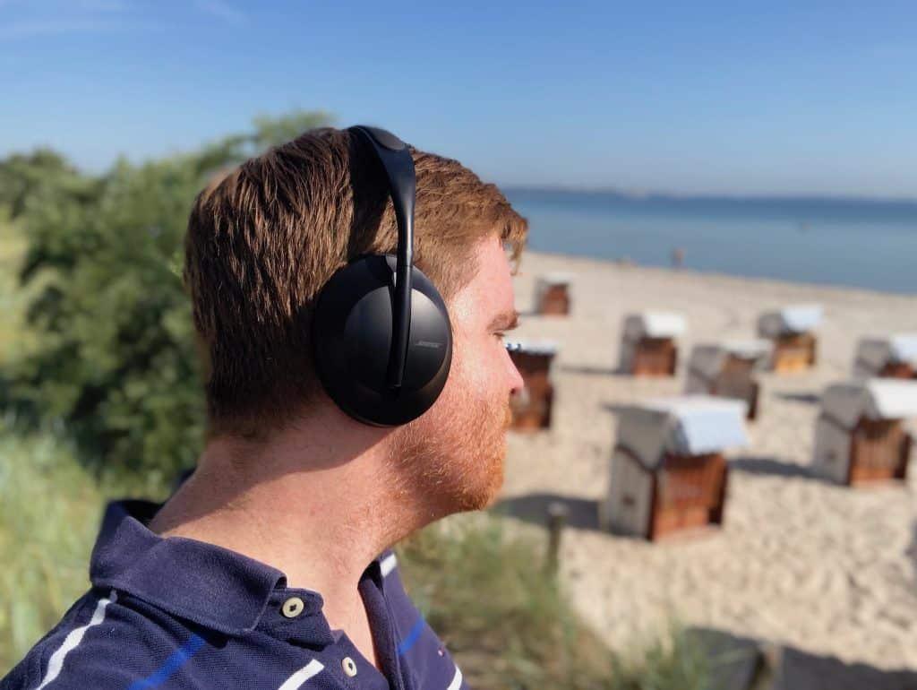 Egal ob Rachmaninow, Rolling Stones oder 187 Strassenbande: der Bose NCH 700 macht den Strandspaziergang zu einer Freude für die Ohren.