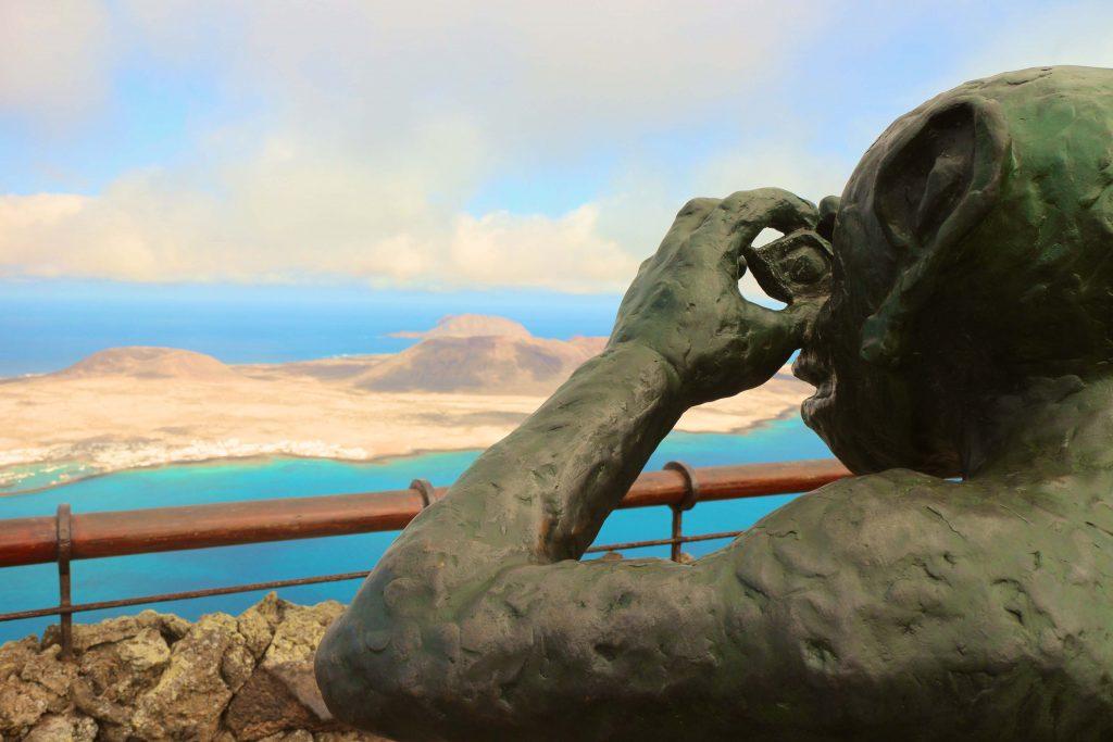 Auf Lanzarote zum Tauchen: Die Kanareninsel ist perfekt für Wassersportler und alle, die einfach nur einen entspannten Urlaub wollen. Foto: Sascha Tegtmeyer
