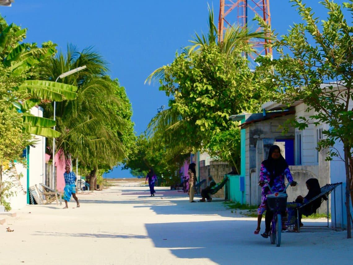 Auf den Einheimischeninseln lernst du die Malediven authentisch kennen. Foto: Sascha Tegtmeyer