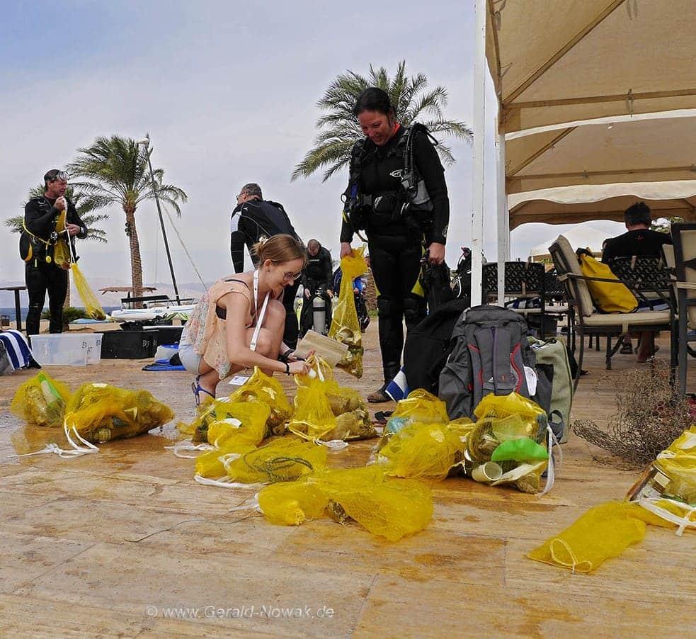 Tala Bay Dive Challenge 2016 Clean Up: Die Teilnehmer der Tala Bay Dive Challenge haben auch etwas für die Umwelt getan! Foto: Gerald Nowak