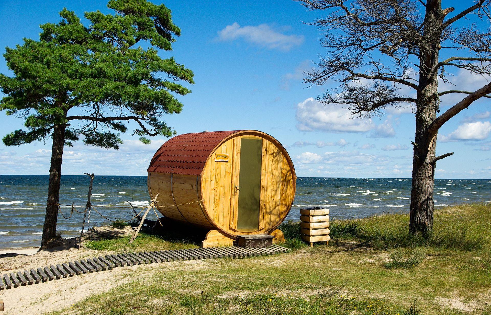 Erst Joggen am Strand und hinterher in der Sauna aufwärmen: Die Apple Watch 2 könnte theoretisch alle Gesundheitsdaten aufzeichen. Foto: Pixabay