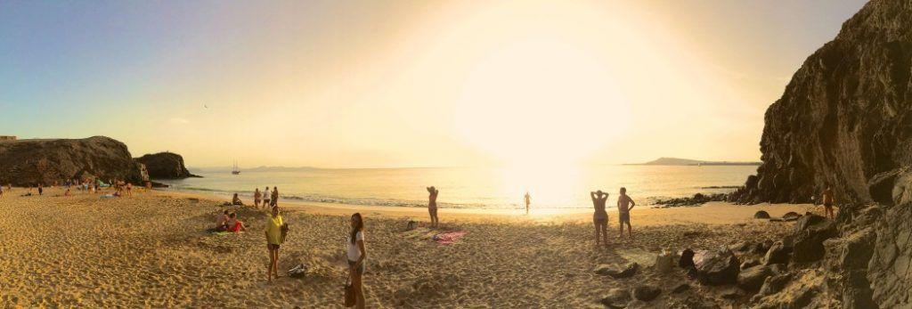 Lanzarote – Top-Reiseziel im Oktober und November: Panoramablick auf die Papagayo-Strände. Foto: S. Tegtmeyer