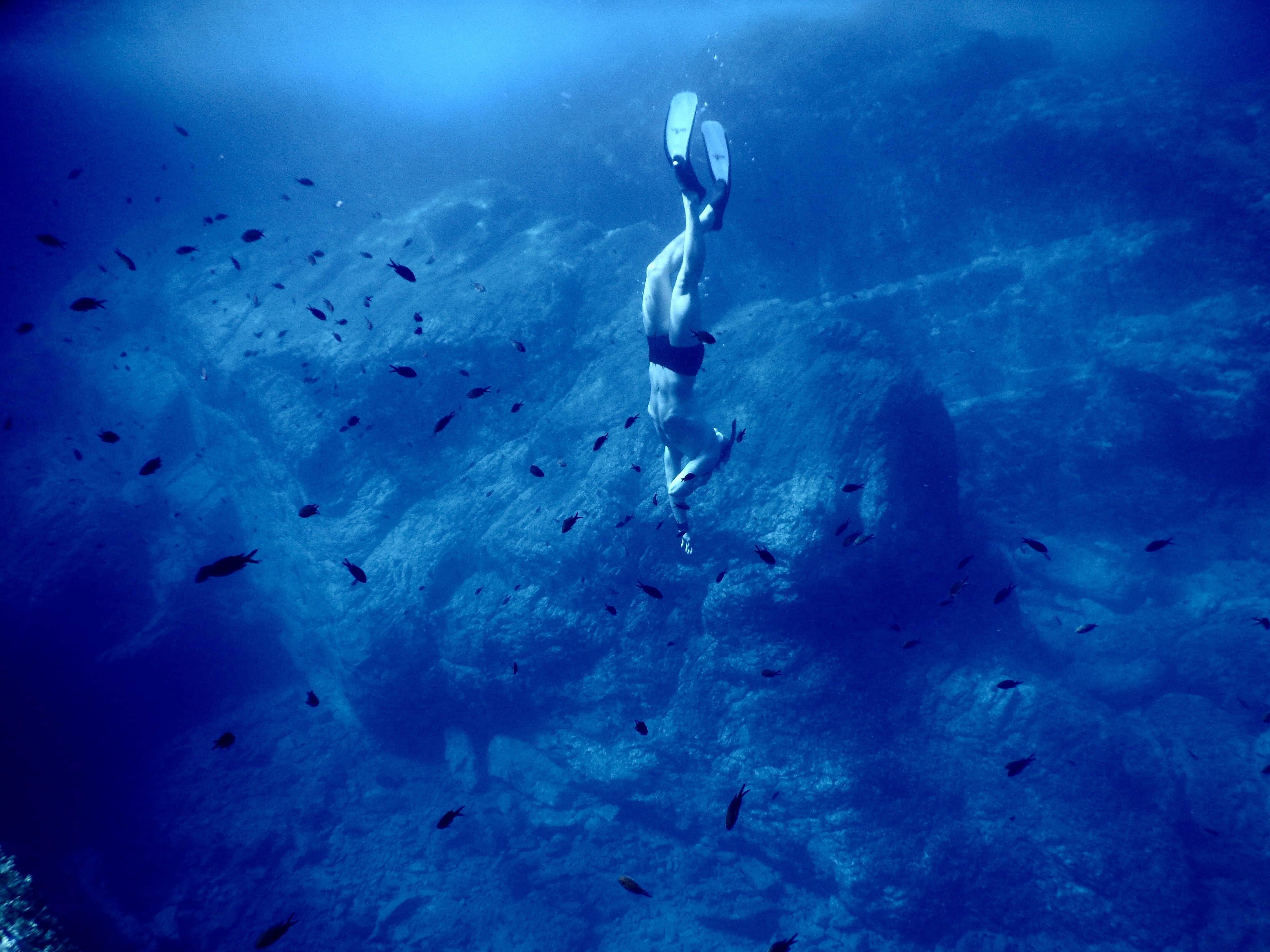 Abenteuer Freediving: Mit nur einem Atemzug geht es in die Tiefe. F