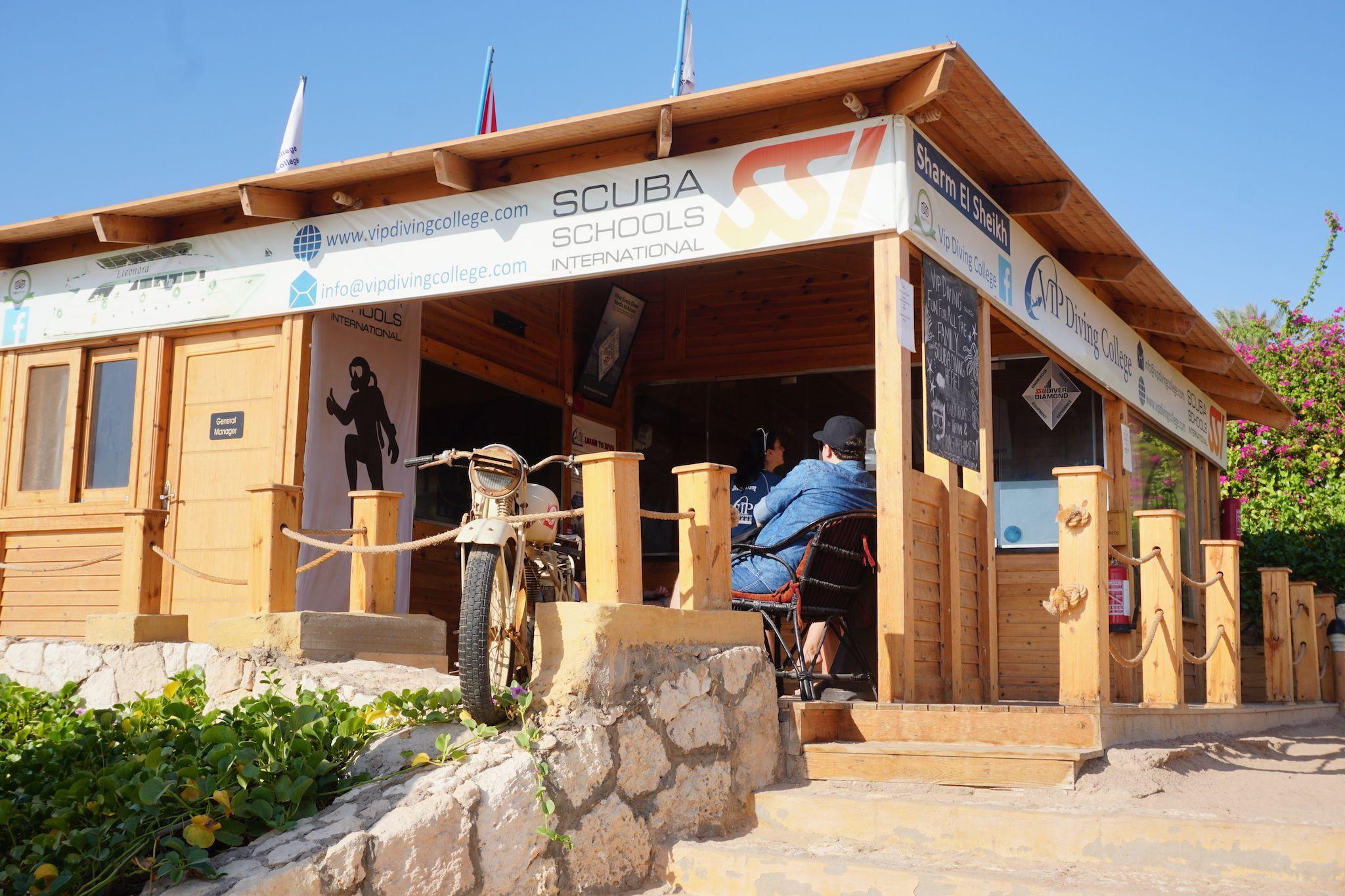 Das Diving Center befindet sich direkt im Cleopatra Luxury Resort. Foto: Sascha Tegtmeyer