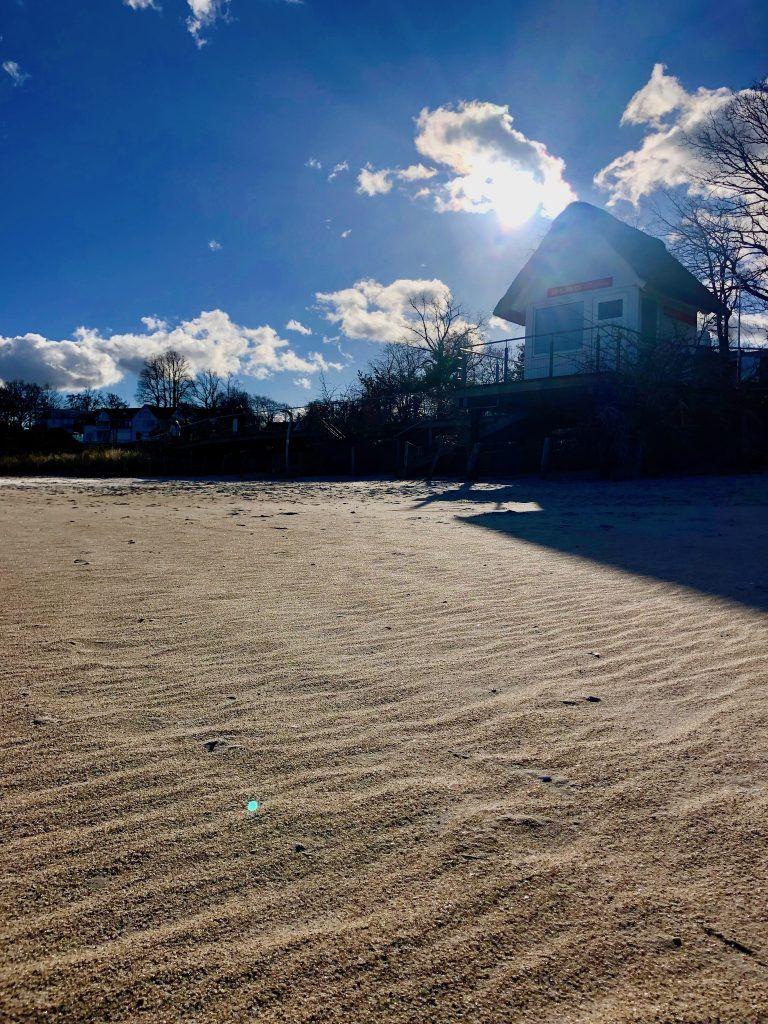 Im Frühling habt Ihr den Ostsee-Strand an manchen Tagen noch für Euch allein. Foto: Sascha Tegtmeyer