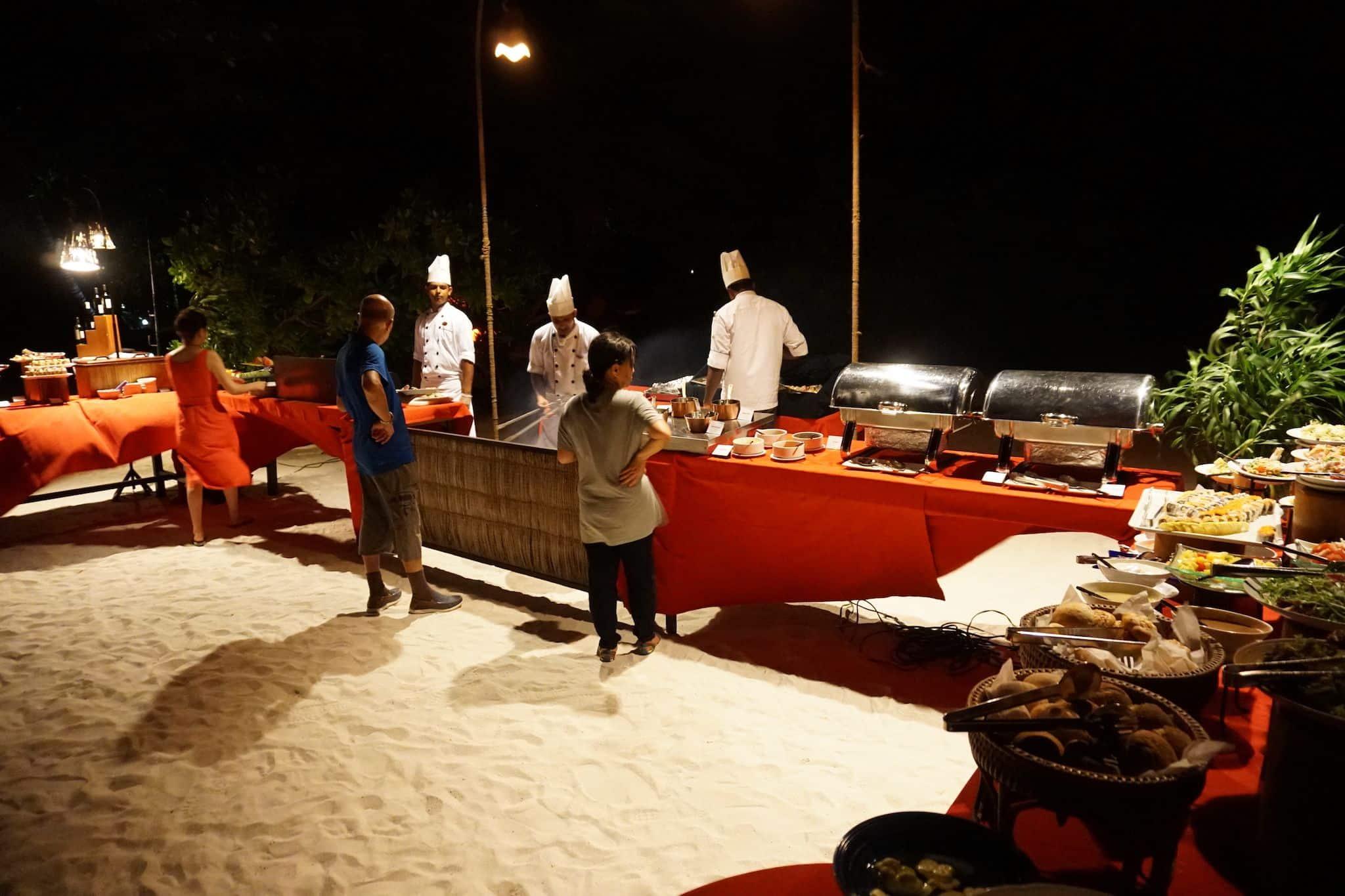 Dinner am Strand auf Coco Bodu Hithi. Foto: Sascha Tegtmeyer