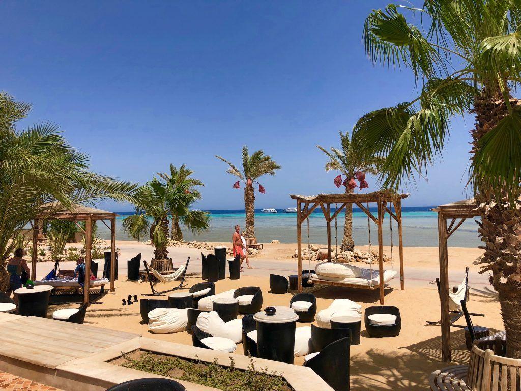 Reisebericht Safaga Chillen am Strand gefällig? Das Breakers Soma Bay bietet Tauchern allen erdenklichen Komfort. Foto: Sascha Tegtmeyer