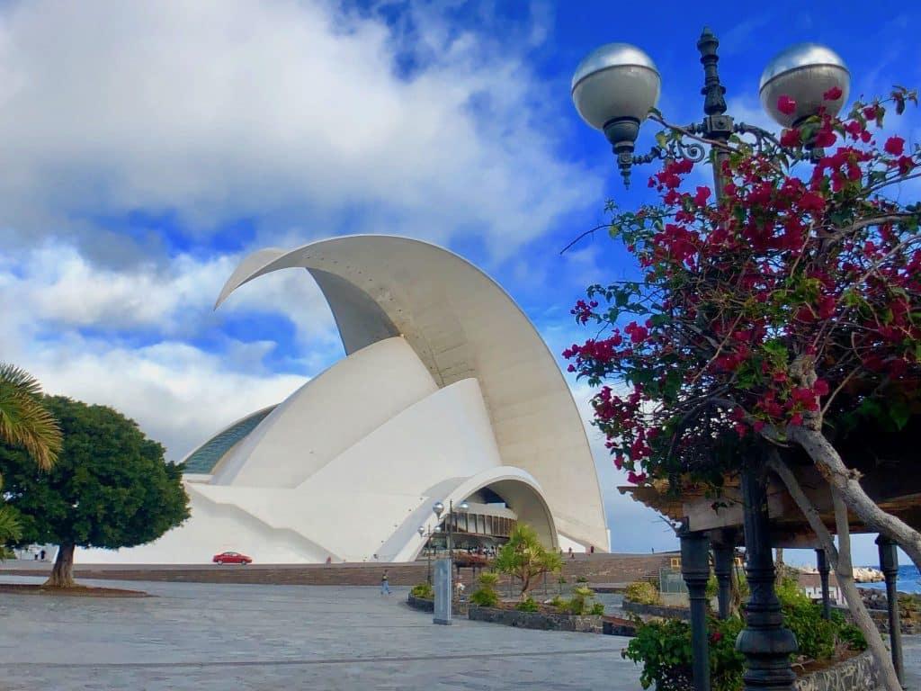 Eines der Wahrzeichen von Teneriffa: das Auditorio de Tenerife, eine große Konzerthalle. Foto: Luisa Praetorius
