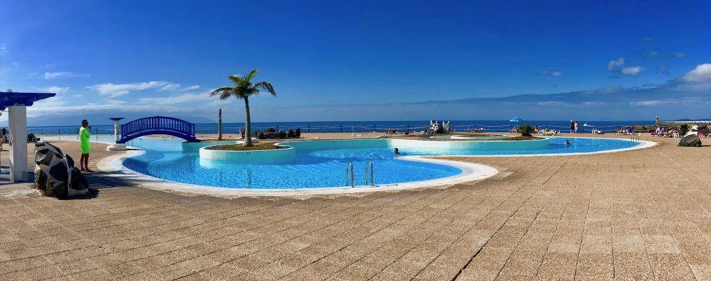 In Los Gigantes gibt es ein kostenloses öffentliches Schwimmbad. Foto: Sascha Tegtmeyer