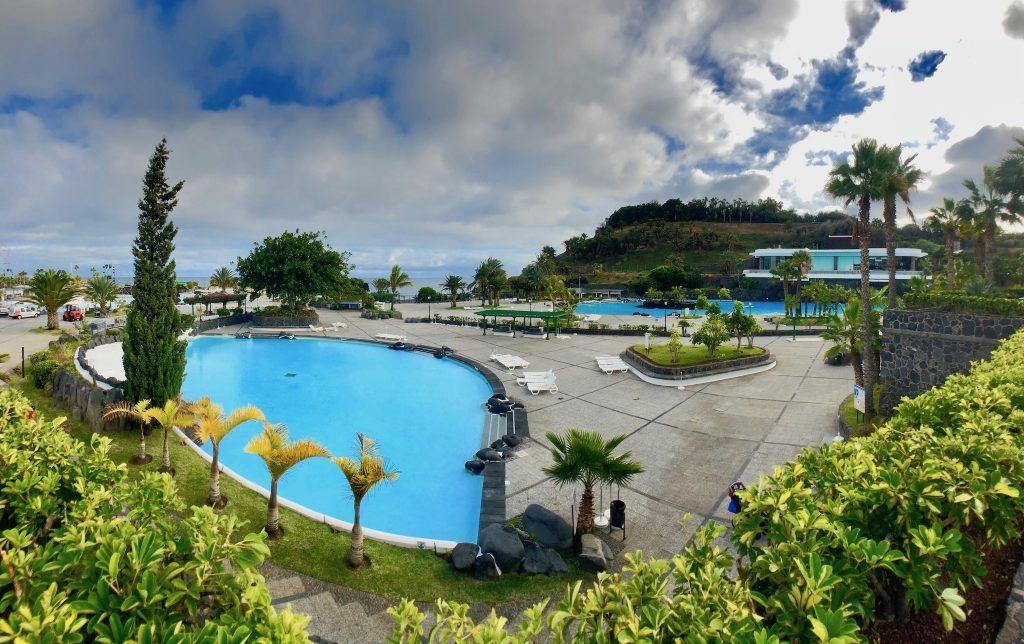 Parque Marítimo César Manrique: das Schwimmbad am Hafen von Santa Cruz de Tenerife wurde von dem kanarischen Ausnahmekünstler entworfen. Foto: Sascha Tegtmeyer