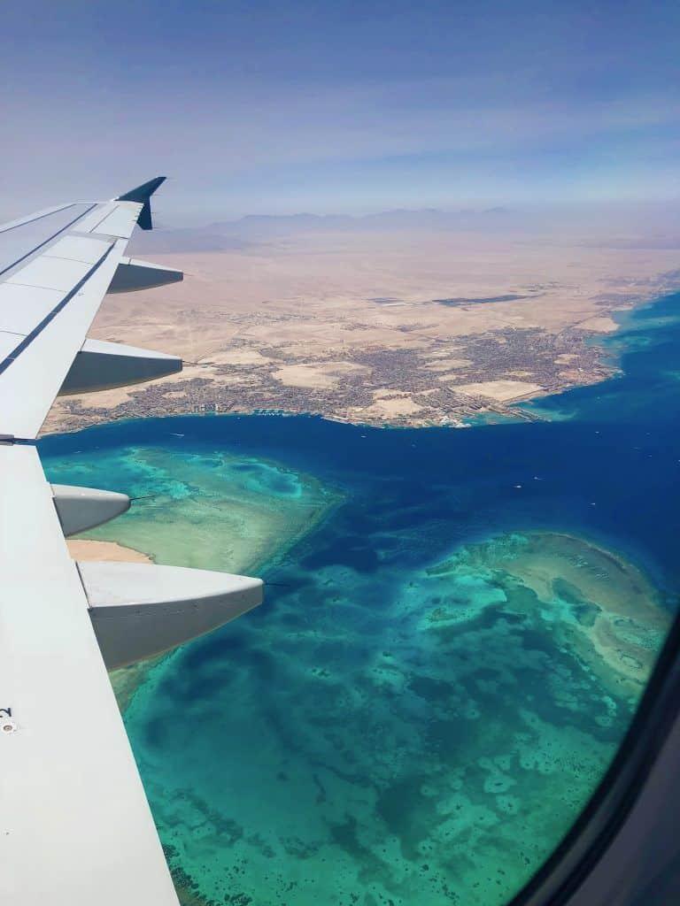 Anflug auf Hurghada: Nach der Landung droht erst einmal Gewusel und Verwirrung. Foto: Sascha Tegtmeyer