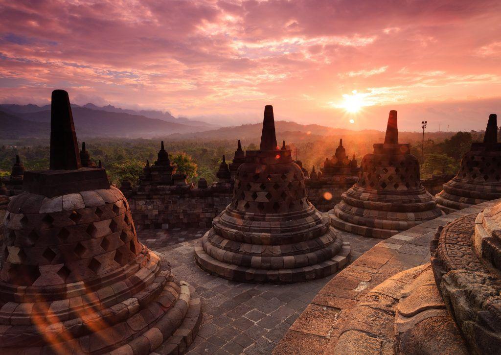 Indonesien ist ein vielfältiges Urlaubsziel und lässt sich am besten auf einer Rundreise entdecken. Foto: Unsplash