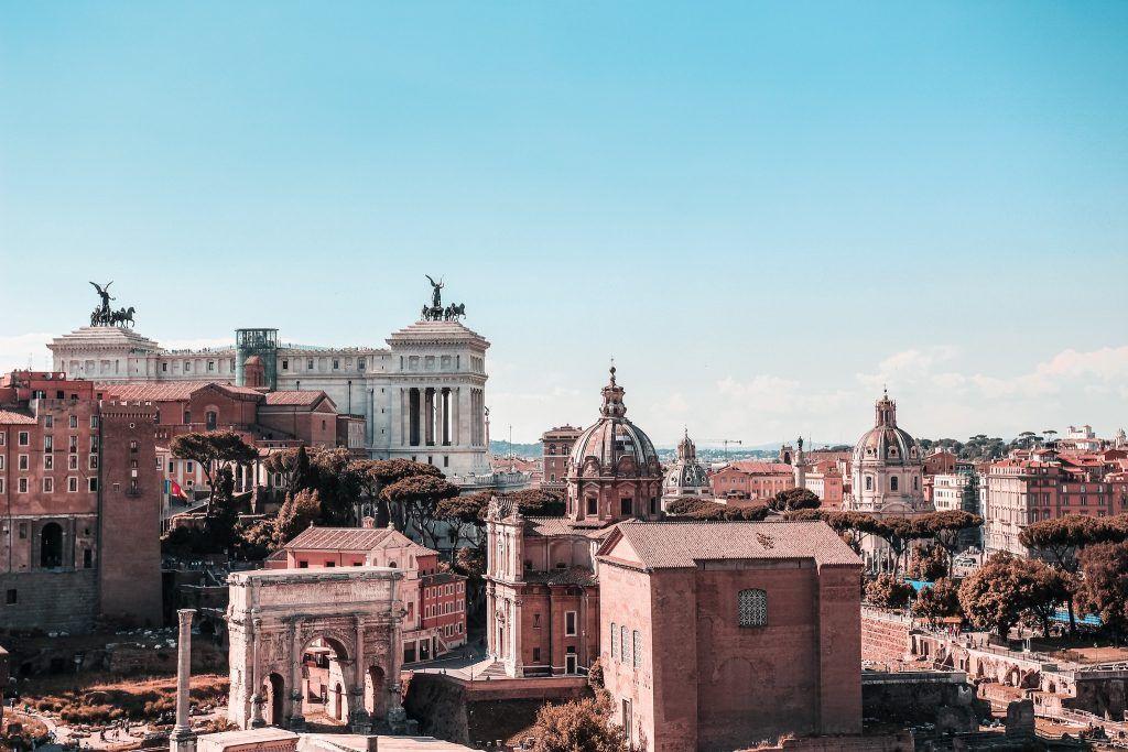 Unsere Just-Wanderlust-Empfehlung: Falls Ihr noch nicht dort wart, plant eine Städtereise nach Rom. Foto: Unsplash