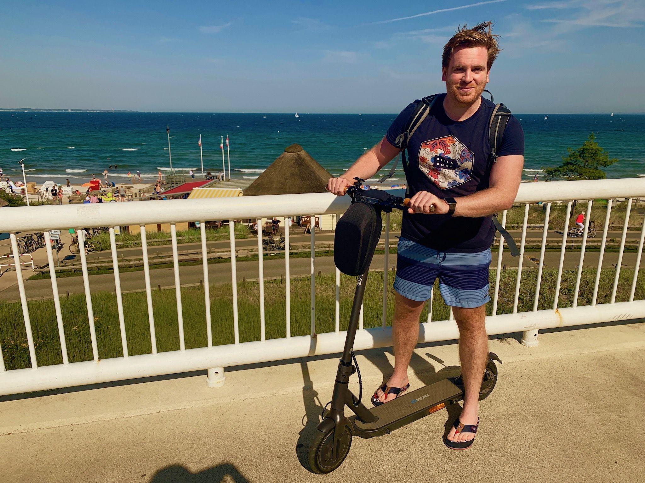 E-Scooter im Test: Wir haben den IO Hawk Sparrow Legal im Alltag und im Urlaub ausprobiert. Foto: Luisa Praetorius