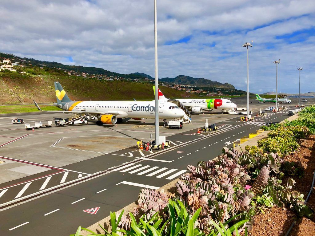 Der Cristiano-Ronaldo-Airport auf Madeira gehört zu den gefährlichsten Flughäfen auf der Welt – doch auch Erstflieger müssen sich keine Sorgen machen – die Wahrscheinlichkeit eines Unfalls geht gegen Null. Foto: Sascha Tegtmeyer