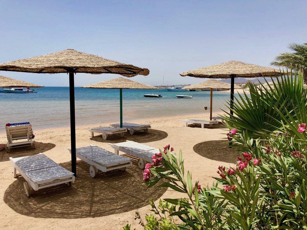 Reisebericht Safaga Tipps Strandurlaub mit nahezu Sonnengarantie: Herrliche Strände gibt es in und um Safaga reichlich. Foto: Sascha Tegtmeyer
