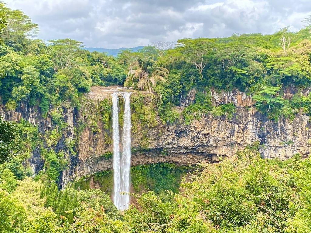 Der unberührte Dschungel und die Wasserfälle im Black River Gorges Nationalpark sind atemberaubend. © Sascha Tegtmeyer
