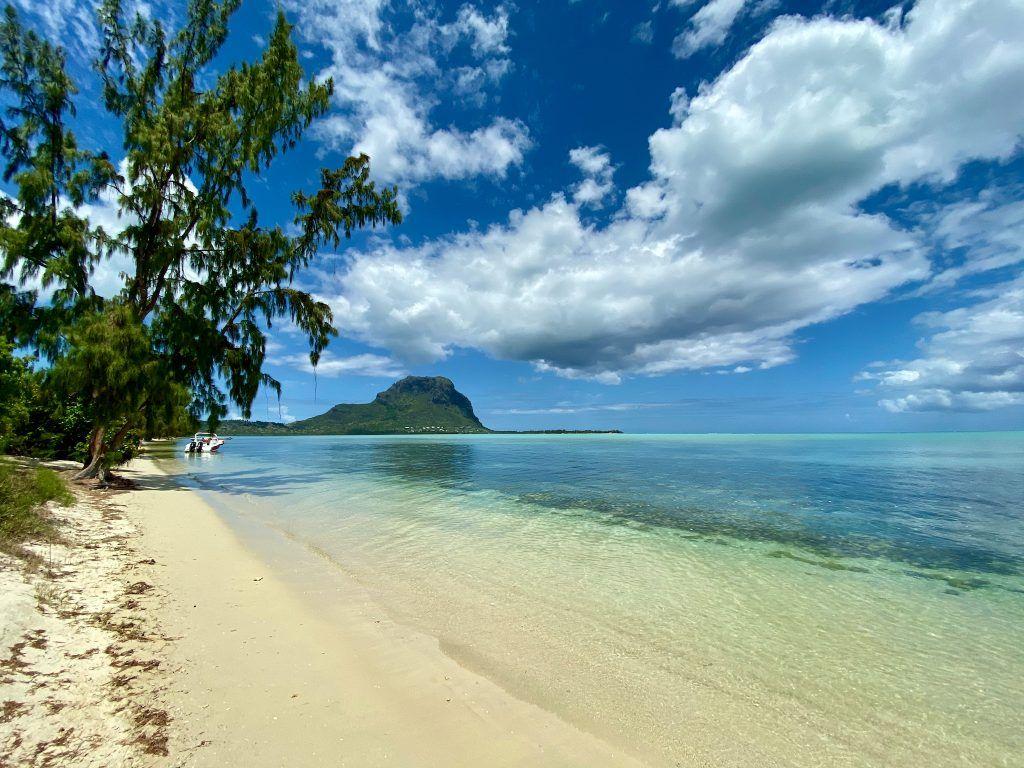 Mauritius: die Insel im Indischen Ozean ist ein wirtschaftliches Zentrum der gesamten Region und ein beliebtes Reiseziel für Urlauber. © Sascha Tegtmeyer