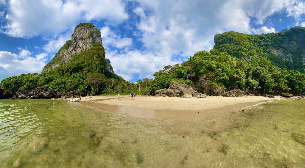 Am Sapphire Beach auf Koh Muk sind wir länger geblieben – einfach, weil es dort so schön war. Foto: Sascha Tegtmeyer