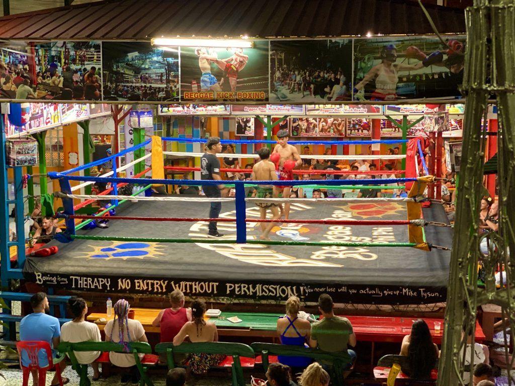 Die Thai Boxing Arena auf Koh Phi Phi war schon Drehort für den einen oder anderen bekannten Film. Foto: Sascha Tegtmeyer
