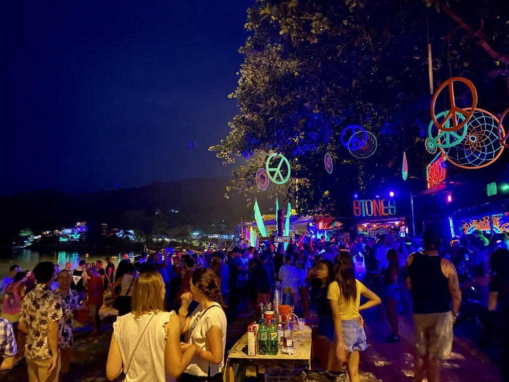 Partys gibt es auf Koh Phi Phi jeden Abend. Foto: Sascha Tegtmeyer