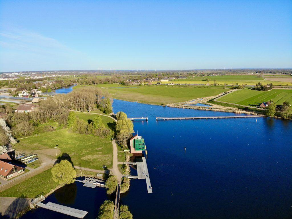Auf einer kilometerlangen Strecke können SUP-Fans den Seitenarm der Elbe erkunden. Foto: Sascha Tegtmeyer