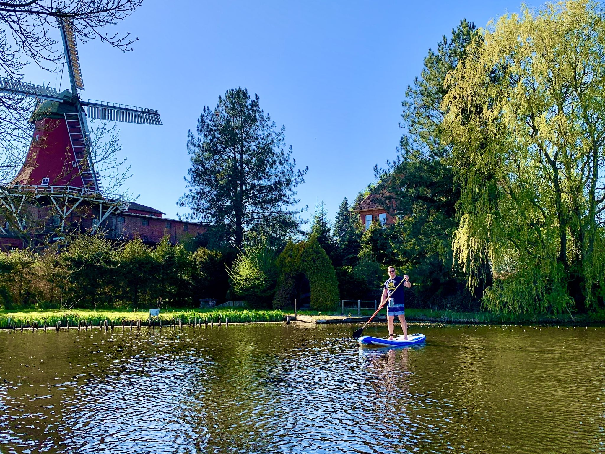 SUP auf der Dove Elbe: Wie ist das Stand Up Paddling im Südosten von Hamburg? Foto: Michael B.