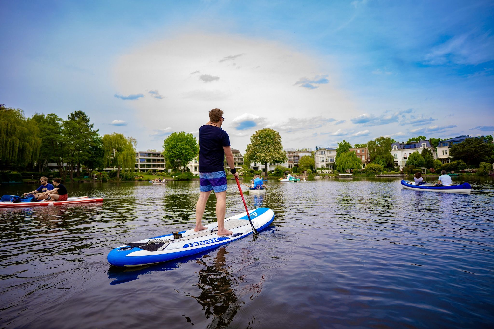 Out and about at the SUP in Hamburg: is the Alster the best stand up paddling location in Germany? Photo: Michael B.
