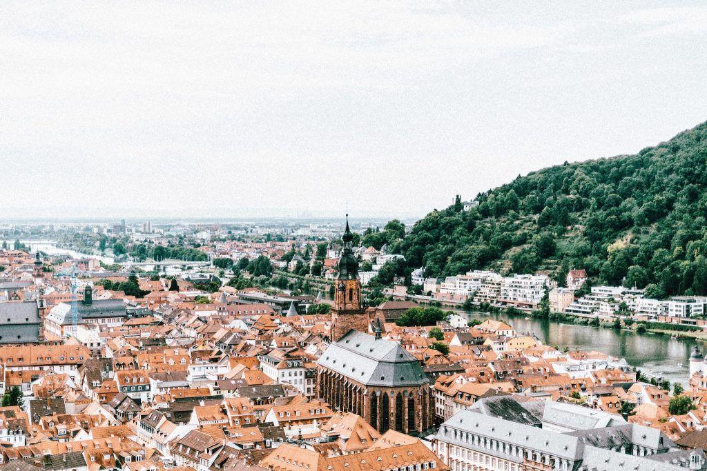 Heidelberg: eines der Reiseziele in Deutschland, die nicht nur malerisch, sondern auch weltweit bekannt und beliebt sind. Foto: Unsplash