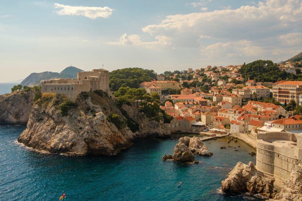 Ein Urlaub wie hier am Mittelmeer in Kroatien könnte dieses Jahr noch möglich sein. Foto: Unsplash