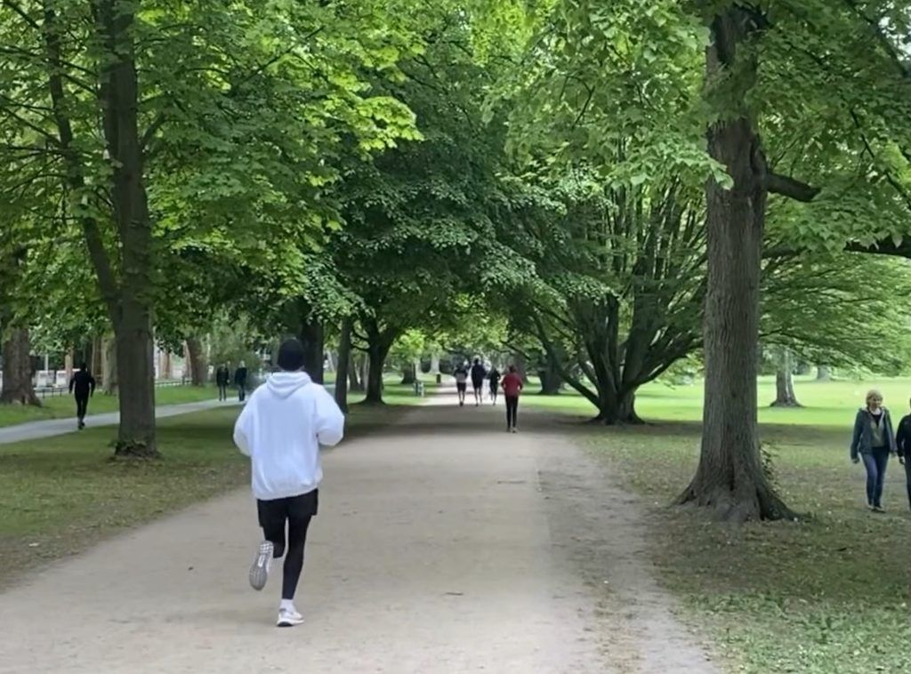 Laufen in Hamburg: Besonders nach Feierabend und an den Wochenenden kann es an den Hot Spots schon einmal voll werden.