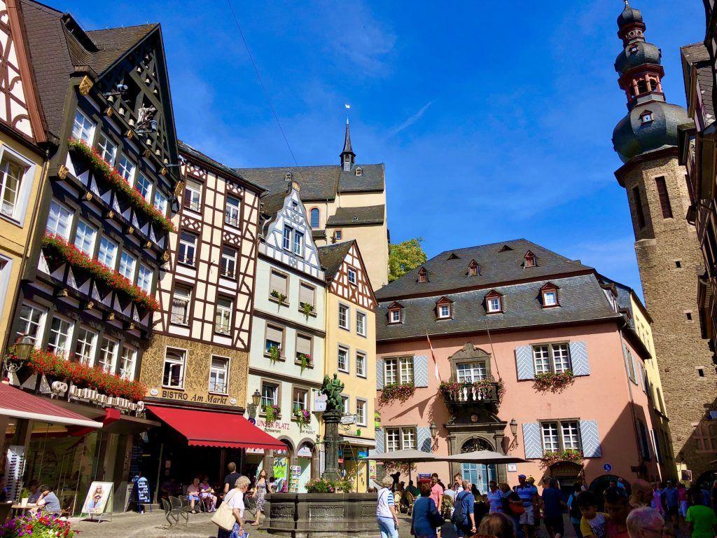 Die gemütliche Altstadt von Cochem lädt zum Flanieren ein.