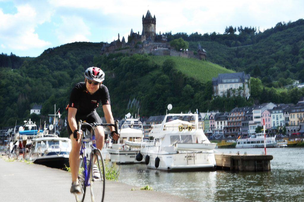 Die Region Cochem/Mosel lässt sich auch ganz wunderbar mit dem Fahrrad erkunden. Foto: Tourist-Information Ferienland Cochem