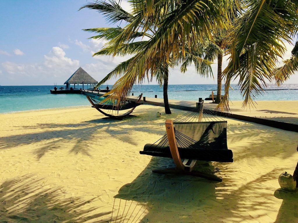 Günstiger Urlaub: Wer Ultra-Last-Minute bucht, kann mit etwas Glück sogar ein Malediven-Schnäppchen buchen. Foto: Sascha Tegtmeyer