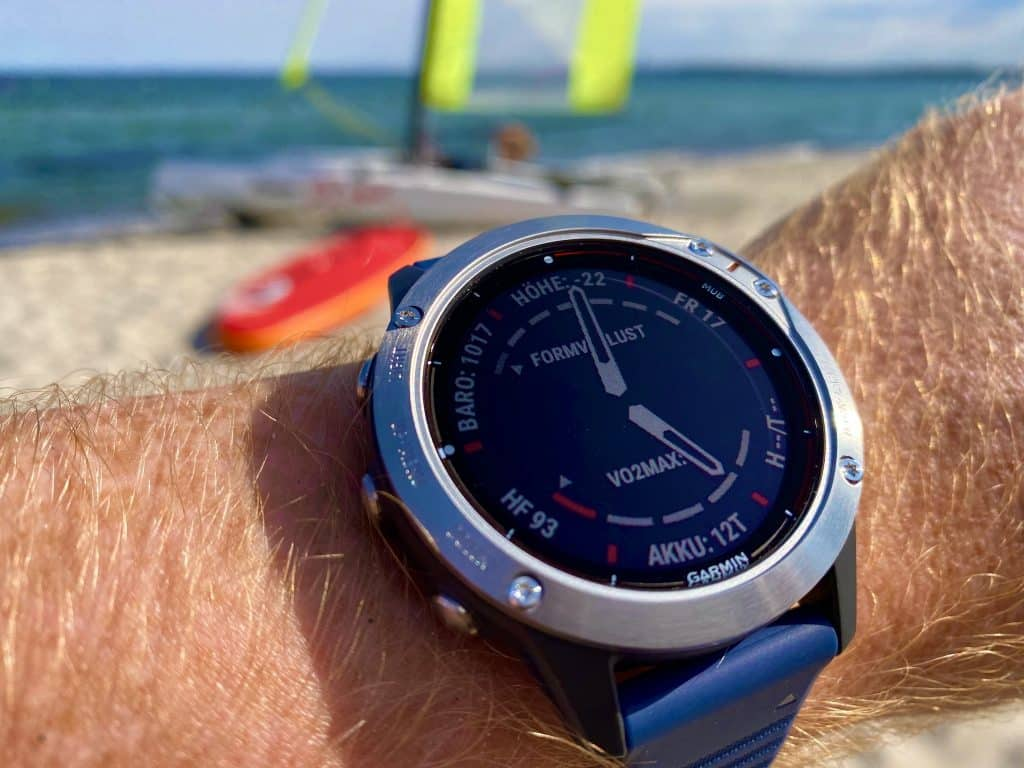 In unserem Garmin quatix 6 Test haben wir die Sport-Smartwatch ausführlich unter die Lupe genommen. Die Sportuhr hat viele Stärken und wenige Schwächen – eine grundsolide, aktuelle Sportuhr. Foto: Sascha Tegtmeyer