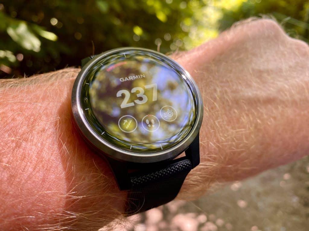 Die Garmin vivoactive 4 ist vor allem für Sportler interessant, die eine leichte und einfach zu bedienende Sportuhr suchen. Foto: Sascha Tegtmeyer