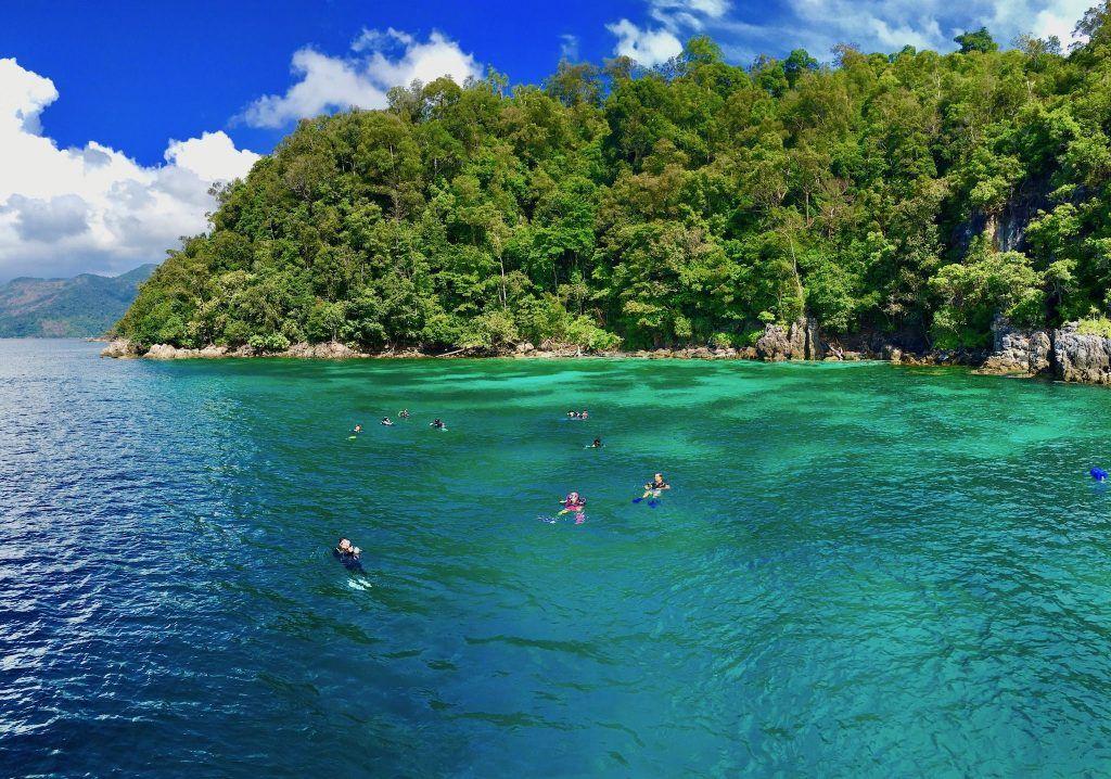 Beim Tauchen vor Koh Rawi und Koh Adang: Die beiden Inseln liegen neben Koh Lipe im Tarutao Nationalpark. Foto: Sascha Tegtmeyer