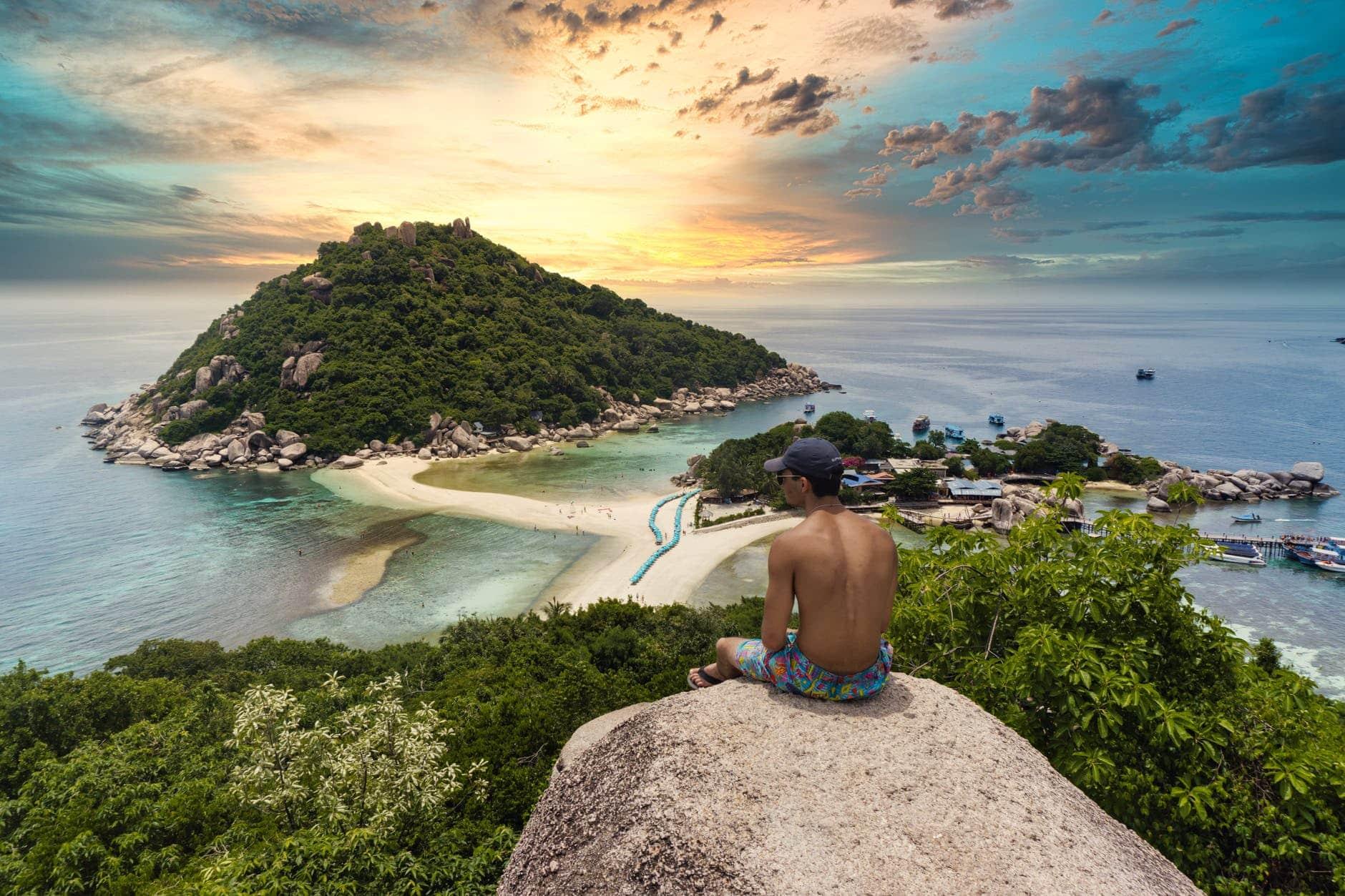 Koh Tao: Auf der winzigen Insel gibt es dutzende Tauchbasen – entsprechend ist die Destination ideal zum Tauchen und Schnorcheln.