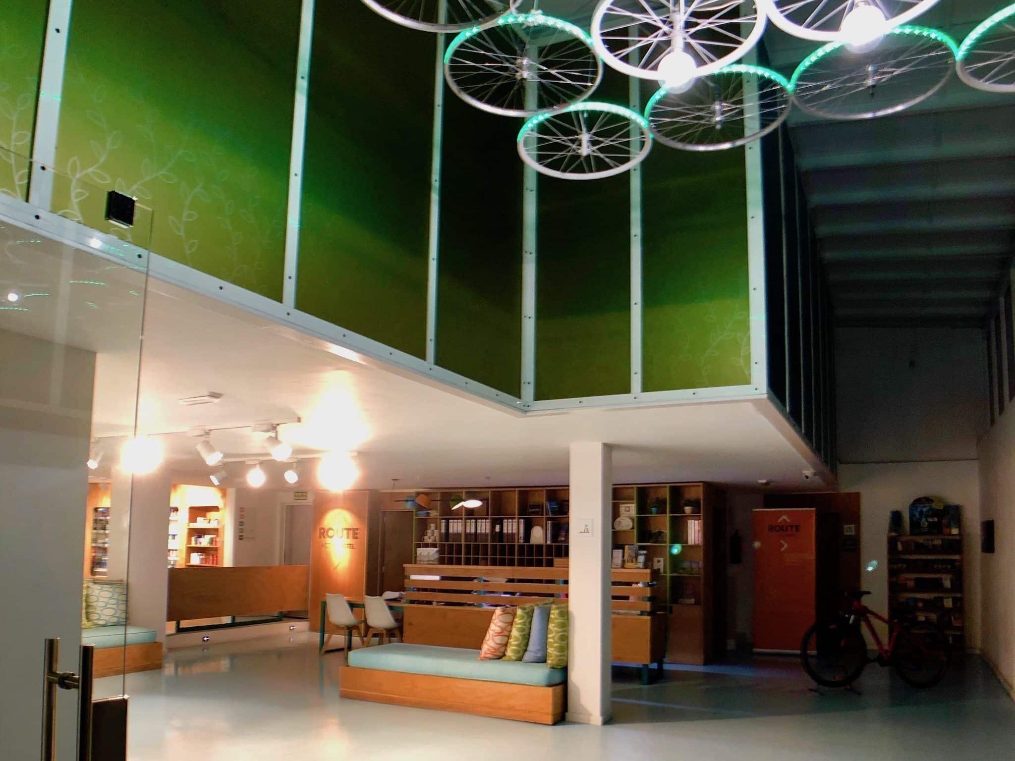 Die Lobby des Active Route Hotel: ein wirklich interessantes Hotel. Foto: Sascha Tegtmeyer