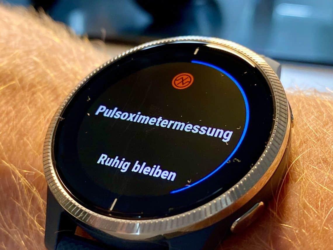 Pulsoximeter: Mit aktuellen Smartwatches lässt sich die Sauerstoffsättigung im Blut (SPO2) messen. Foto: Sascha Tegtmeyer