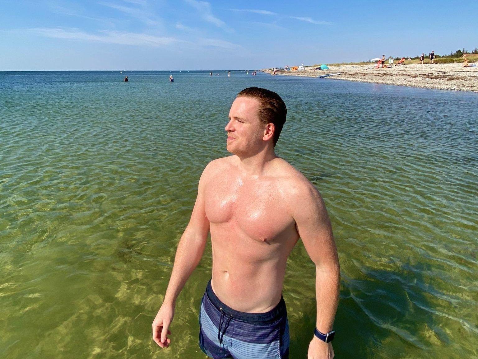 Natürlich gehört bei einem Fehmarn-Kurzurlaub auch ein erfrischendes Bad im glasklaren Meerwasser der Ostsee dazu. Foto: Michael B.