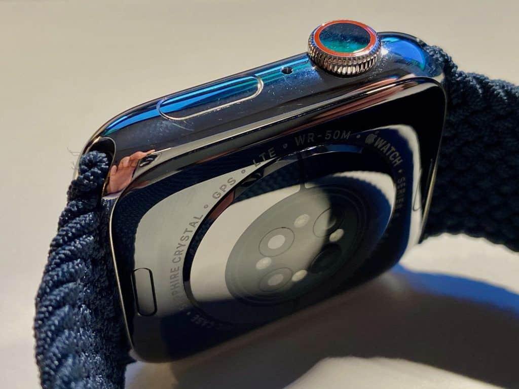 """Den größten Unterschied macht der neue Sensor der Apple Watch Series 6 – der Hersteller bezeichnet ihn als """"revolutionär"""". Foto: Sascha Tegtmeyer"""