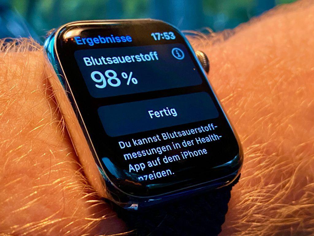 Blutsauerstoffsättigung messen mit der Apple Watch Series 6: Im Test funktionierte das sehr zuverlässig. Foto: Sascha Tegtmeyer