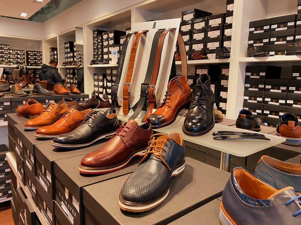 Handgemachte Lederwaren – im Designer Outlet Soltau kannst Du in zahlreichen Stores hochwertige Markenprodukte kaufen und kräftig sparen. Foto: Sascha Tegtmeyer