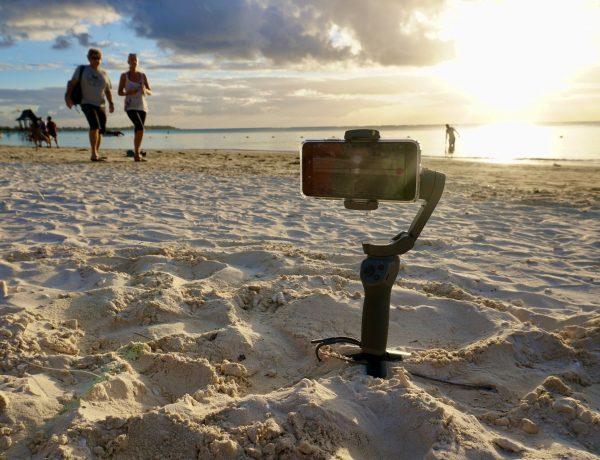 Reiseblog erstellen und Reiseblogger:in werden: Als Reisejournalist arbeitest du dort, wo andere Urlaub machen – aber am Ende des Tages ist es auch Arbeit. Im Bild: Strand auf Mauritius. Foto: Sascha Tegtmeyer