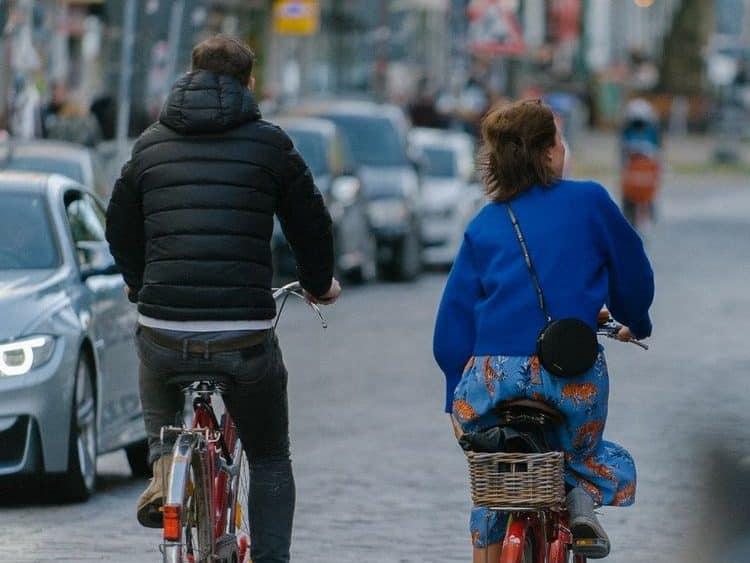 Hamburg lässt sich wunderbar mit dem Fahrrad erkunden. Foto: Unsplash