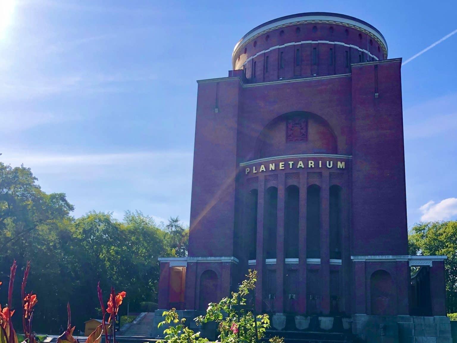 Das Planetarium im Hamburger Stadtpark ist ein eindrucksvoller Bau. Foto: Sascha Tegtmeyer