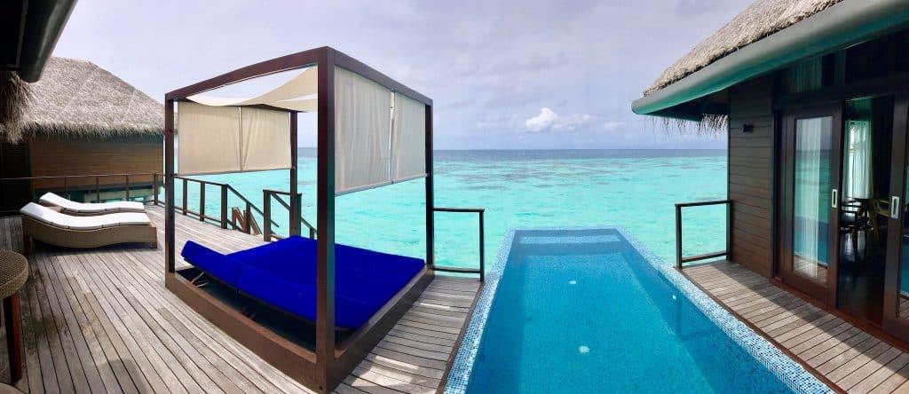 Water Villa einer Malediven-Insel: die Unterkünfte bieten Luxus pur. Foto: Sascha Tegtmeyer Reisebericht Malediven Tipps